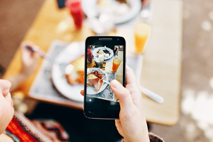 These Food Apps Offer The Best Freebies Just For Signing Up